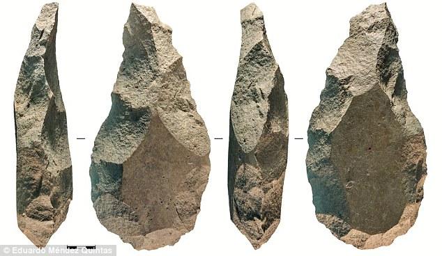 کشف تیشه سنگی 300 هزار ساله در اسپانیا (+عکس)