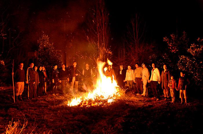 سنتها را آتش نزنیم