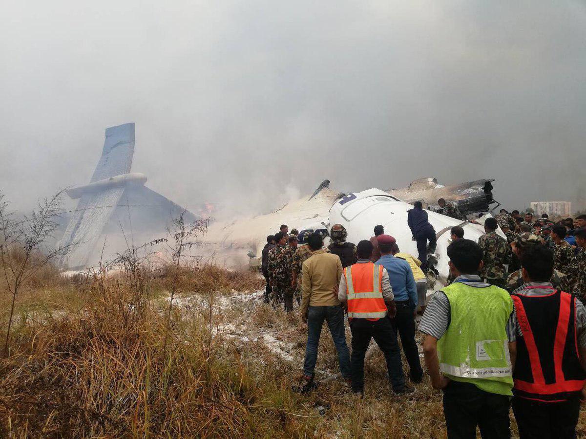 عکسی از هواپیمای سقوط کرده بنگلادش