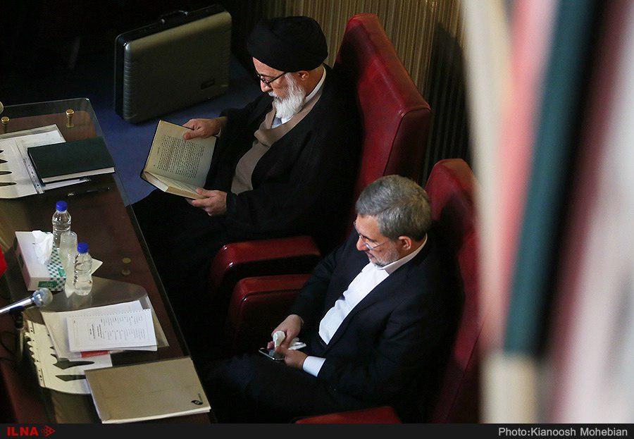 تنها عضو مکلای مجلس خبرگان در اجلاسیه امروز (عکس)