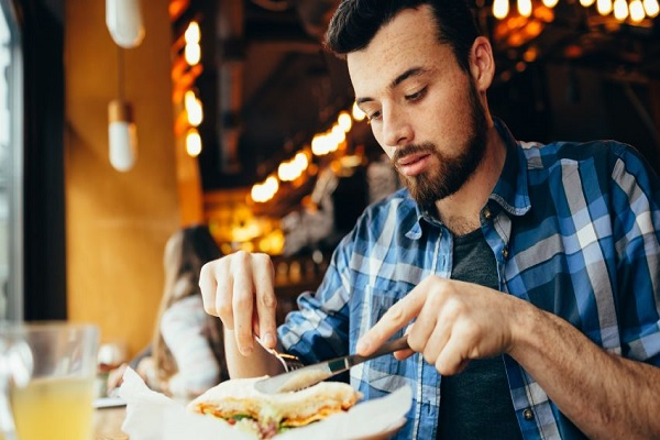 احساس سیری بدون مصرف غذای بیشتر