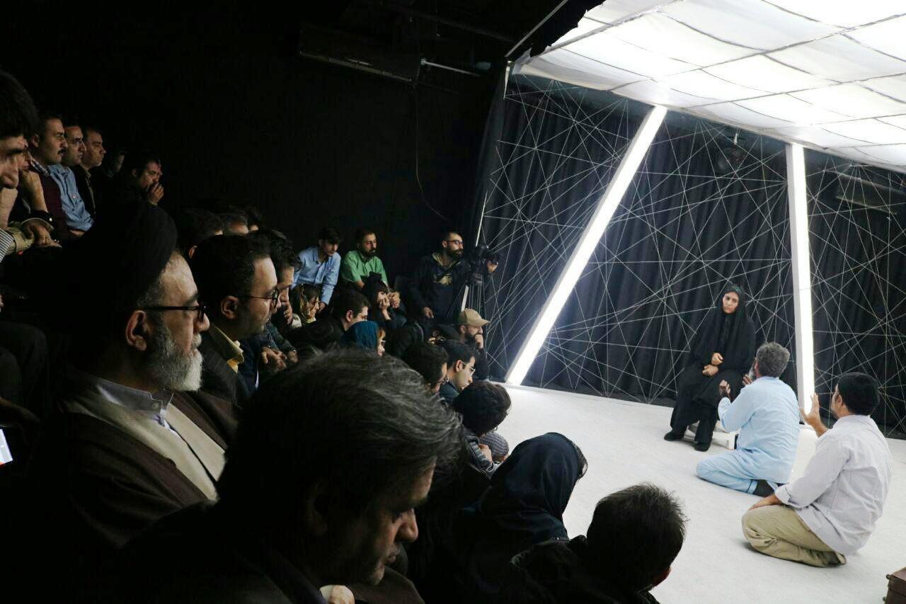حضور یک امامجمعه در سالن تئاتر (+عکس)
