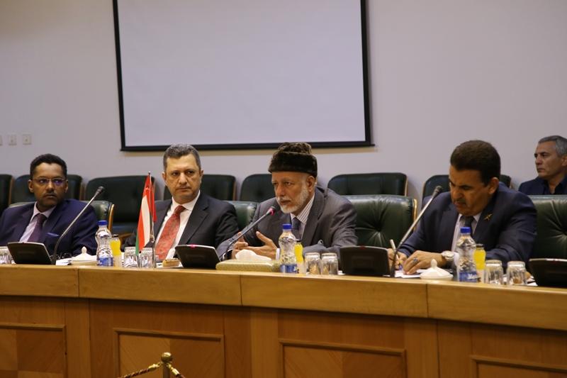 روابط بانکی ایران و عمان گسترش می یابد