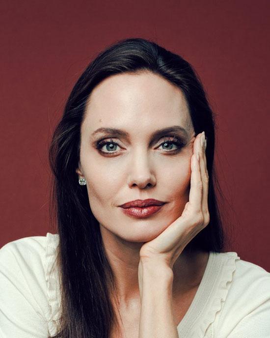 آنجلینا جولی: مسن شدن را دوست دارم/ داشتن ذهن خلاق نهایت جذابیت است.
