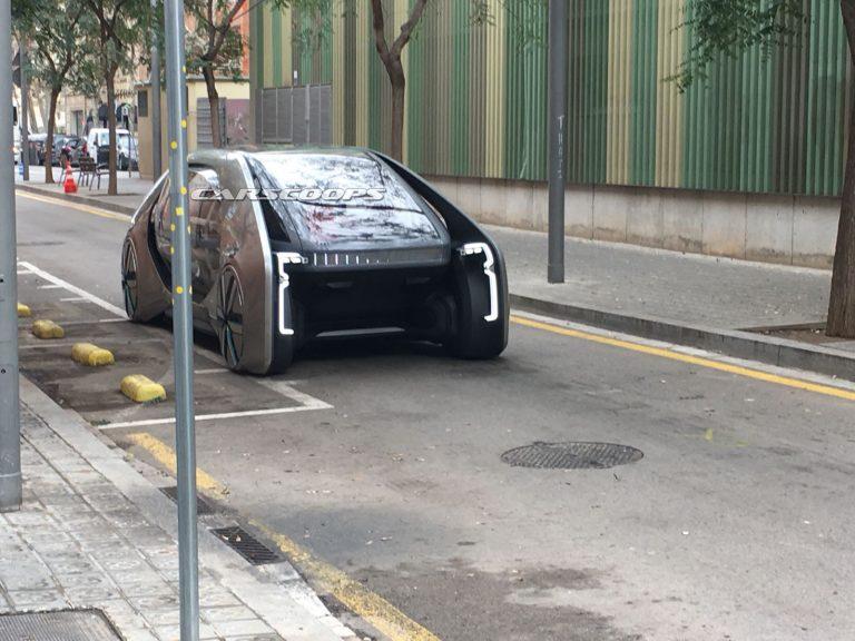 لو رفتن جدیدترین کانسپت رنو در خیابانهای بارسلونا