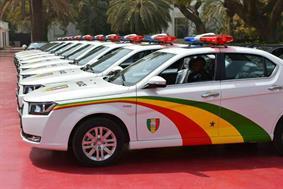 دنا پلاس ماشین پلیس سنگال شد (+عکس)