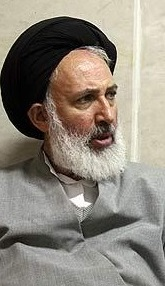 امام خمینی به شهید مطهری گفتند من هم موافق حجاب اجباری نیستم ولی آنقدر بر من فشار آوردند که گفتم باید در «ادارات» حجاب رعایت شود