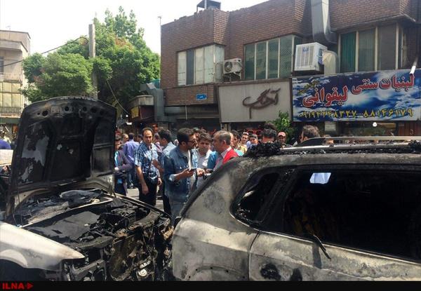 اتومبیل امین زندگانی در آتش سوخت (+عکس)