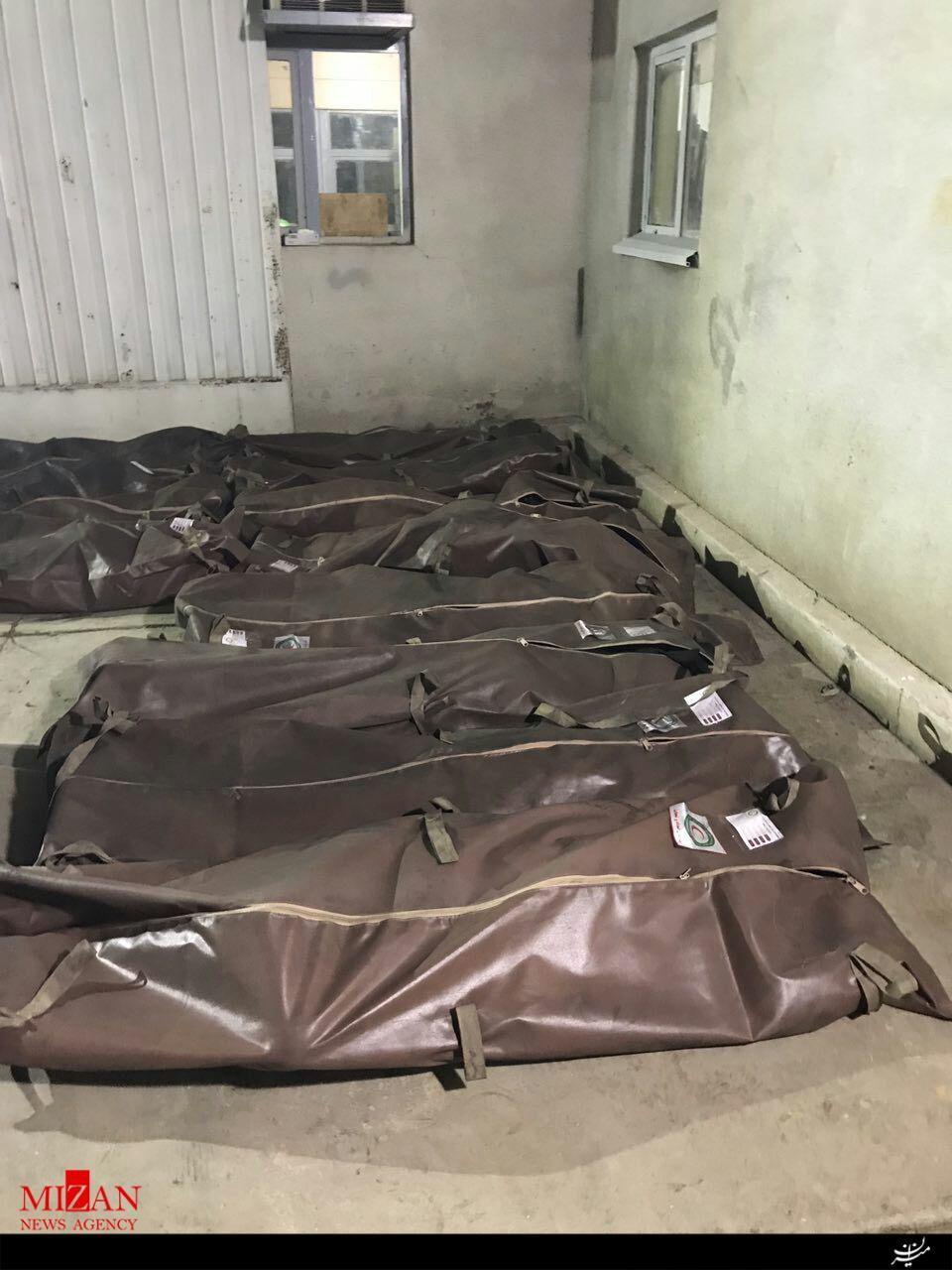 پیکرهای جانباختگان انفجار معدن گلستان (عکس)