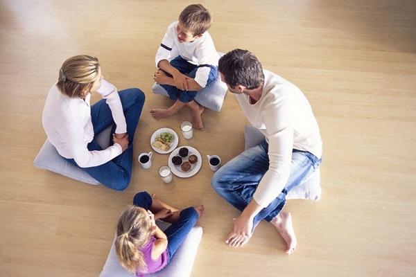 فواید سلامت غذا خوردن در حالت نشسته روی زمین
