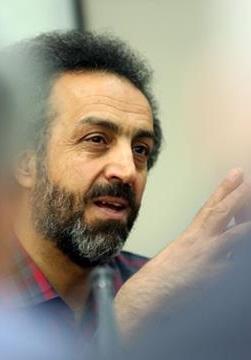 دکتر محسن رنانی: مدارس کودکان ما را به موجوداتی