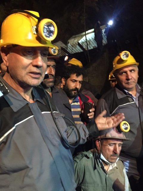 حضور وزیر کار در عمق تونل امدادرسانی معدن یورت (+عکس)