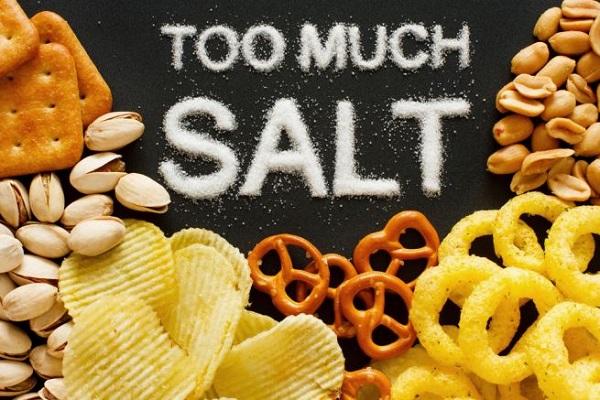 غذاهایی که میتوانند کم آبی شدید بدن را موجب شوند
