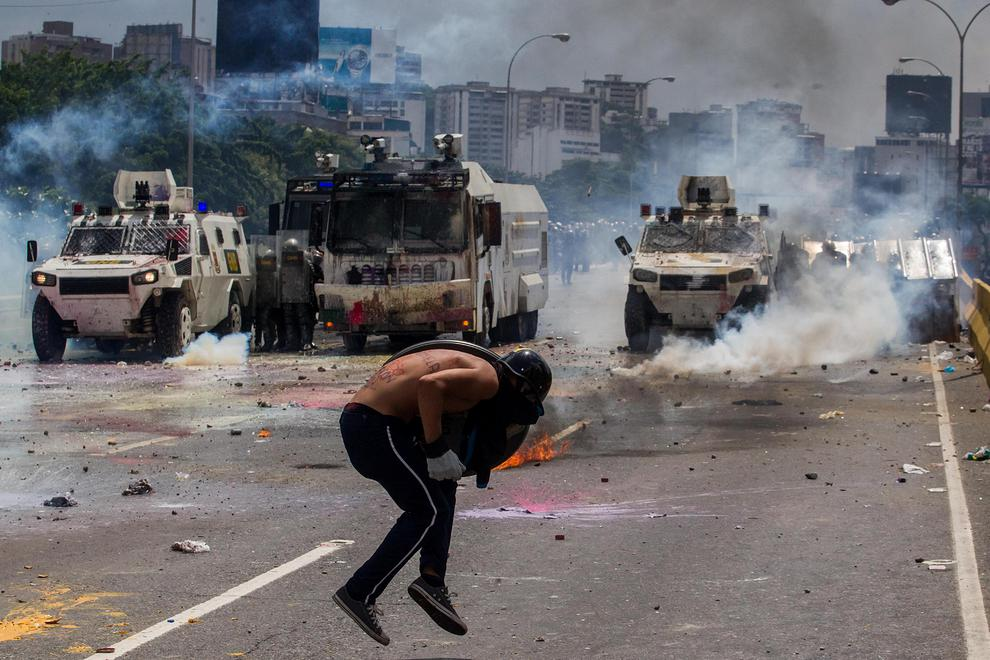 ونزوئلا ورشکسته در لبه پرتگاه / کشور هوگو چاوز چطور به اینجا رسید؟