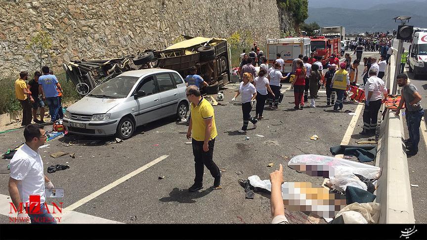حادثه برای خودروی گردشگران در ترکیه/ کشته شدن 20 نفر