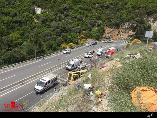حادثه برای خودروی گردشگران در ترکیه/ کشته شدن 20 نفر (+عکس)