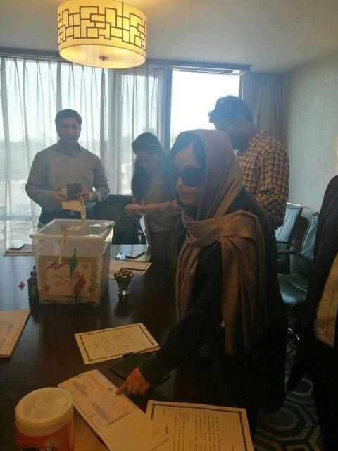 «سهیلا جورکش» رای خود را در آمریکا به صندوق انداخت