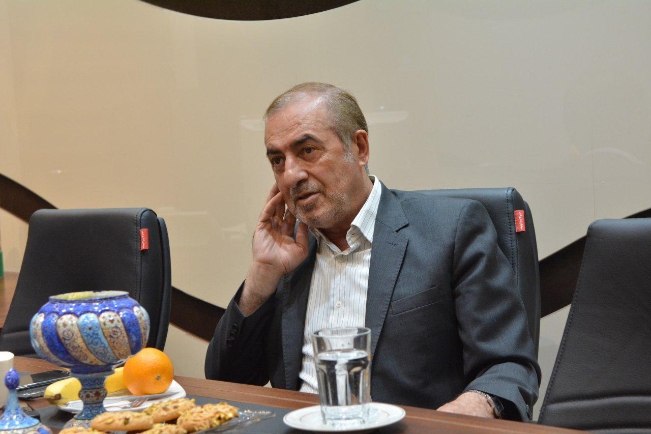 الویری: تسخیر سفارت آمریکا کار اشتباهی بود/خراب کردن یک اقتصاد کار راحتی است/ یک اصلاح طلب نمی توانست خیلی بیشتر از روحانی کار کند/ بی مهری به روحانی از دوستانش خودش است/ پیروزی شورای شهر در گرو پیروزی ریاست جمهوری است