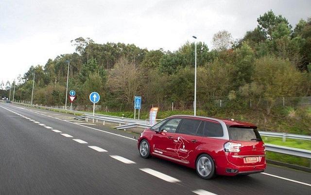 این جادهها خودروی شما را شارژ میکنند