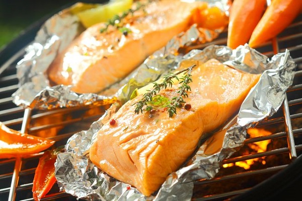 آیا استفاده از فویل آلومینیومی در پخت و پز امن است؟