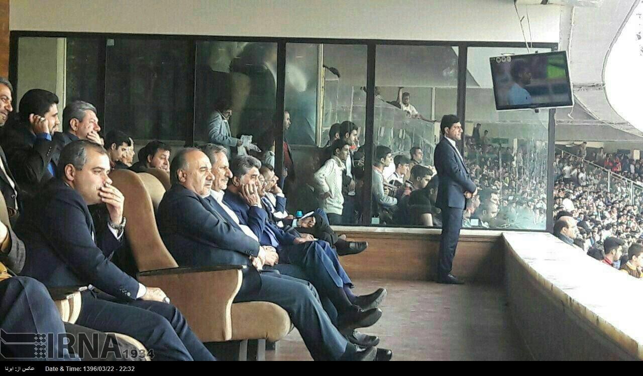 جهانگیری تماشاگر ویژه بازی ایران - ازبکستان (+عکس)