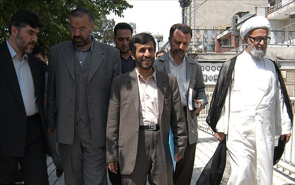 قابل توجه اعضای جدید شورای شهر؛ نگذارید احمدی نژاد دیگری تکرار شود