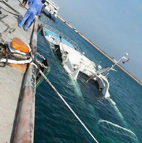 علت غرق شدن کشتی دنا در کیش، اعلام شد (+عکس)