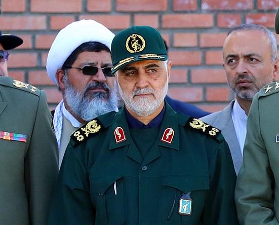 سردار سلیمانی:  نباید کسی سپاه را تضعیف و مورد حملههای گوناگون قرار دهد/ من را هدف قرار دهید نه سپاه را