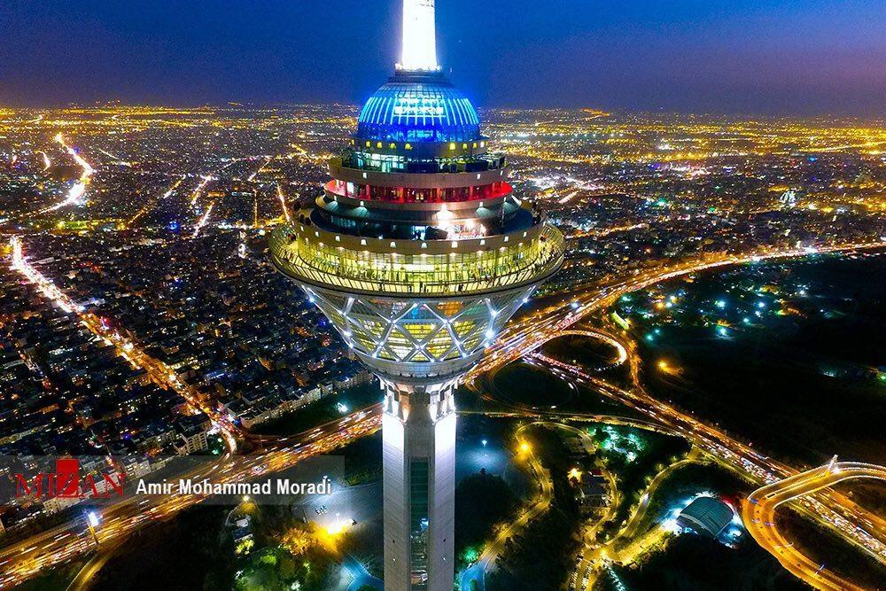 برج میلاد از نمایی زیبا و دیدنی (عکس)