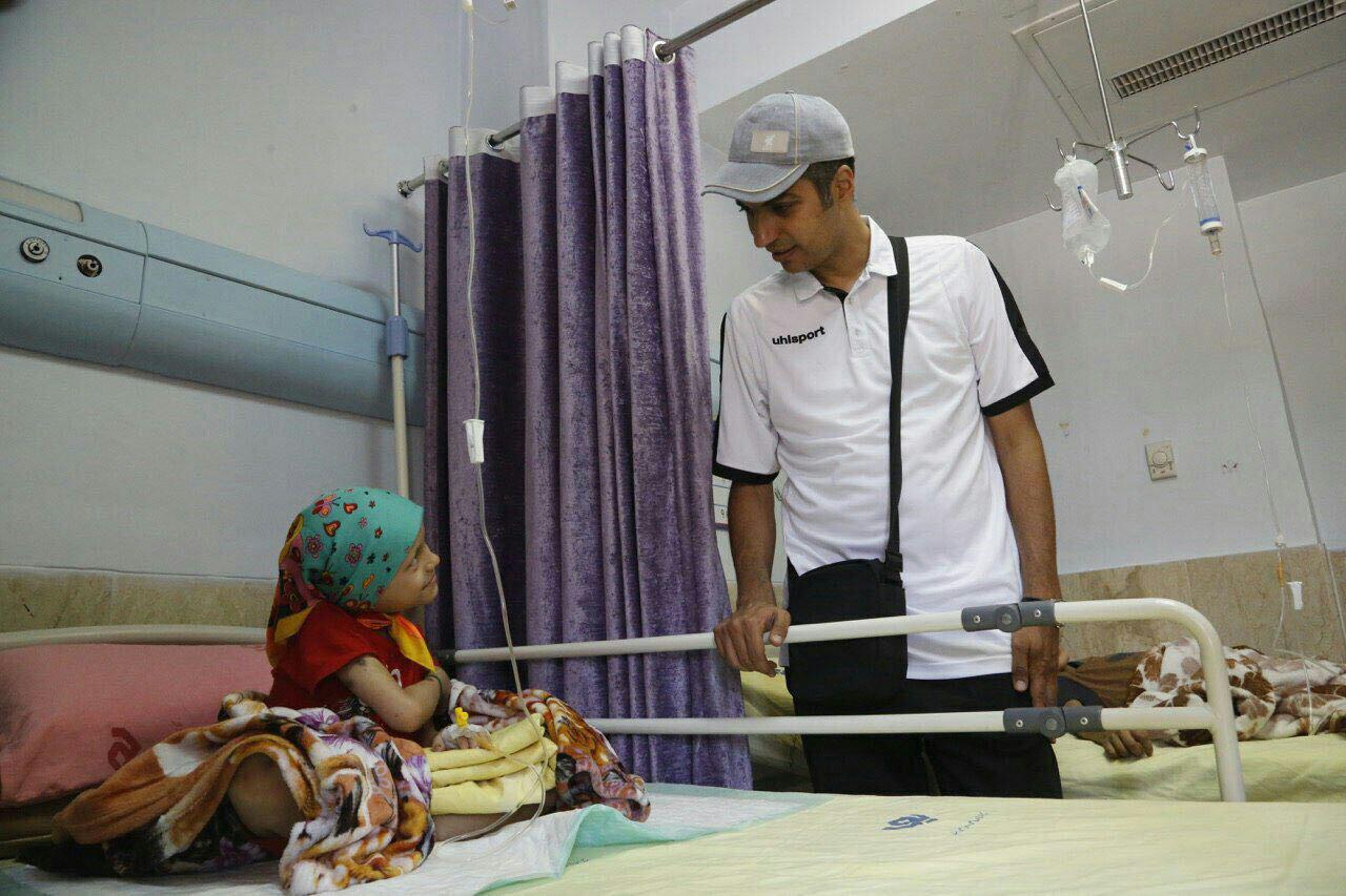 عیادت فردوسی پور از کودکان سرطانی (+عکس)