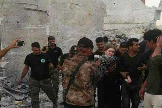 دستگیری تک تیرانداز زن داعش در غرب موصل (+عکس)