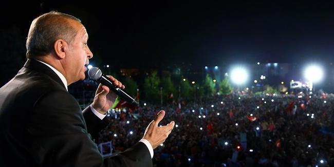 اردوغان در سالگرد کودتای نافرجام ترکیه: گردن کودتاچیان را خواهم زد