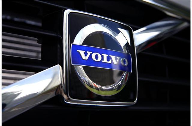 لوکسسازان جهان پس از فروش اتومبیل برای مشتریان چه میکنند؟