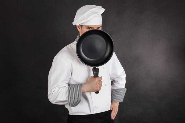 آیا استفاده از ظروف نچسب بی خطر است؟