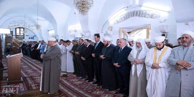بشار اسد در نماز عیدفطر (عکس)