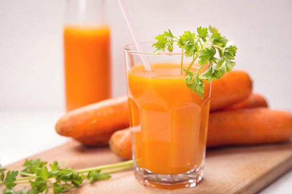 آنچه در نتیجه مصرف روزانه آب هویج رخ میدهد
