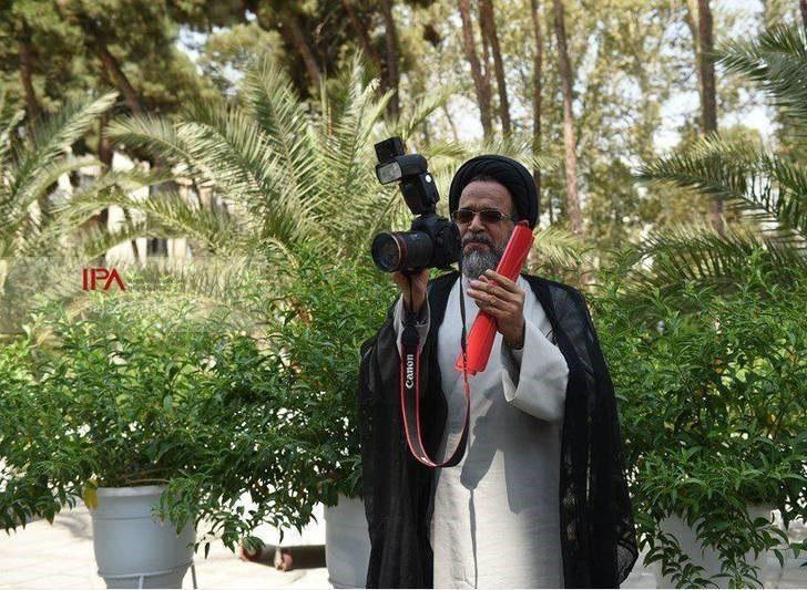 عکاسی وزیر اطلاعات از عکاسان و خبرنگاران در آخرین جلسه هیات دولت
