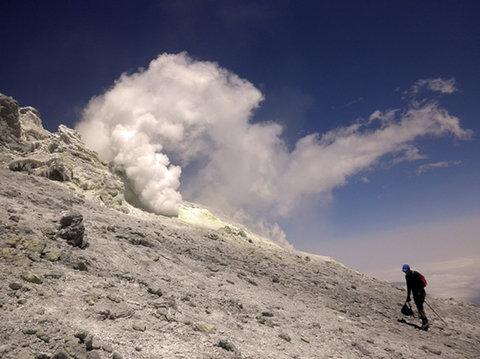 آتشفشان دماوند خاموش نیست/مخزن مواد مذاب زیر آتشفشان دماوند فعال است