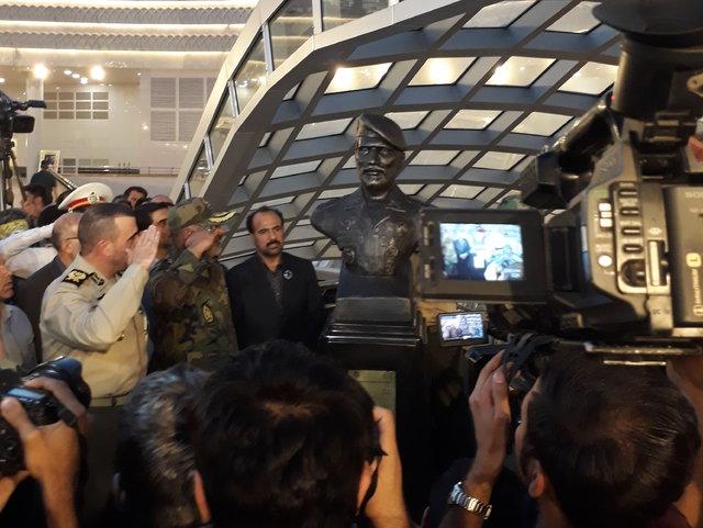 رونمایی از سردیس یک شهید در ایستگاه مترو (+عکس)