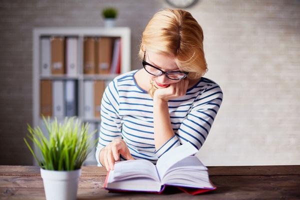 از فواید شگفت انگیز چند دقیقه مطالعه در روز