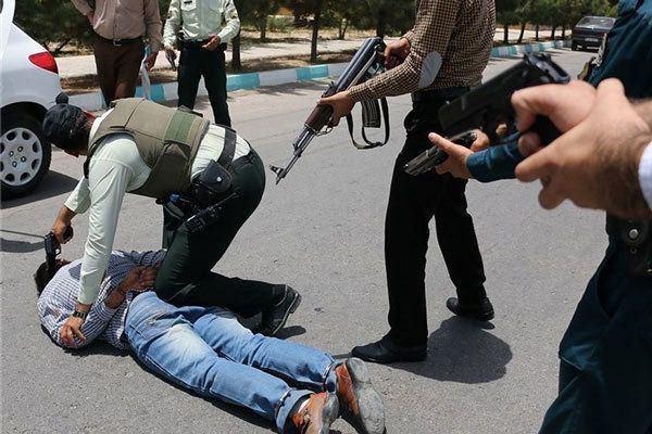 دستگیری سارق مسلح بانک تجارت در قزوین (عکس)