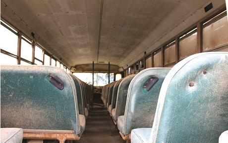 این اتوبوس فرسوده را از رده خارج کنید/ وزیر جدید راننده است یا خلبان؟