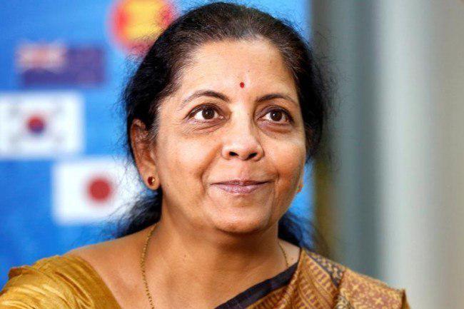 یک زن، وزیر دفاع هند شد (عکس)