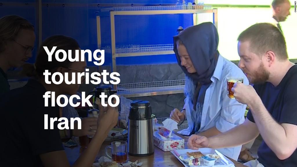 سی ان ان: سیل ورود گردشگران جوان خارجی به ایران