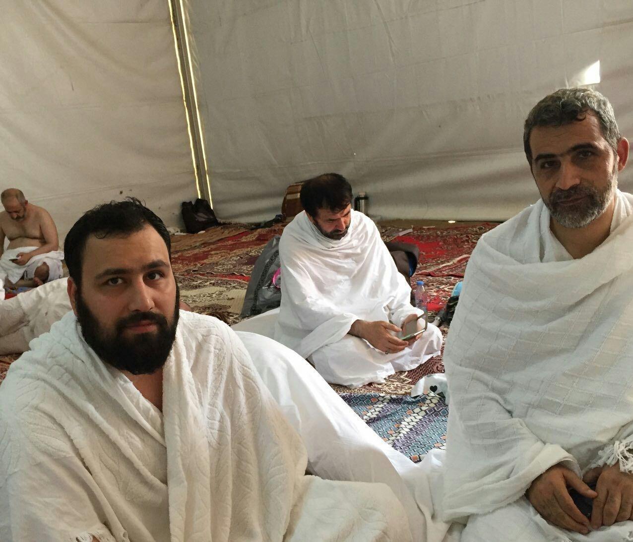 نوه امام خمینی در لباس احرام / عکس