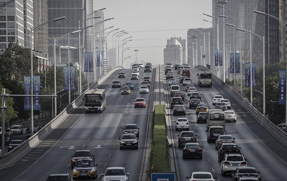 ممنوعیت فروش خودروهای سنتی در چین /الکتروهیبرید، مانور جدید صنایع خودروسازی در خیابانهای جهان