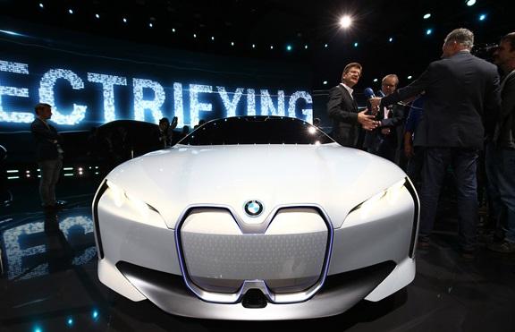 رونمایی BMW از جدیدترین خودروی مفهومیش در نمایشگاه فرانکفورت (+عکس)