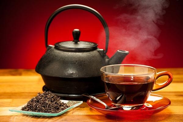 از فواید نوشیدن چای سیاه
