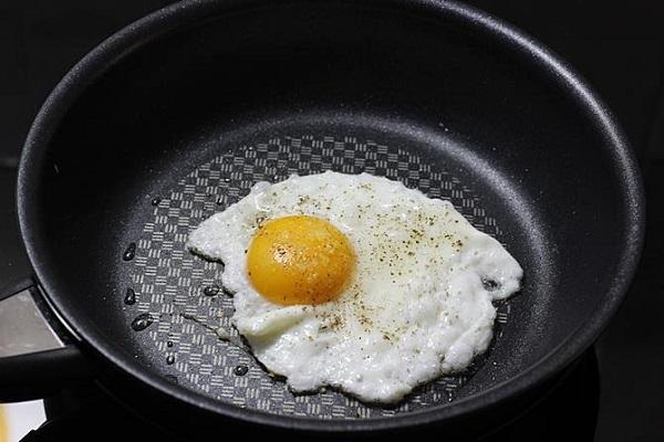 آنچه با مصرف تخم مرغ در بدن رخ میدهد