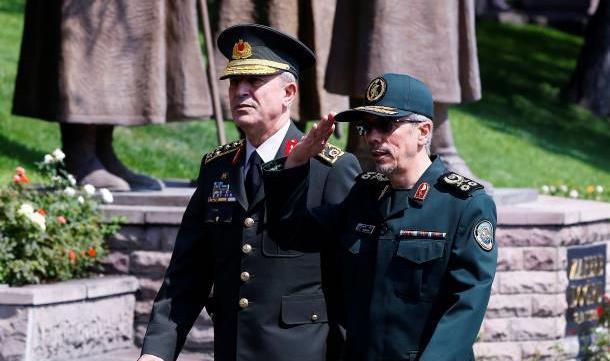 ورود رئیس ستاد ارتش ترکیه به تهران/ آغاز مذاکرات نظامی ایران و ترکیه